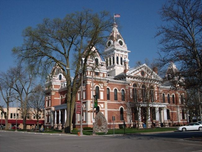 South/East Corner - - Livingston County Courthouse image. Click for full size.