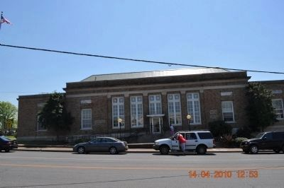 Ross Bass Post Office/location of South Pulaski Historic District image. Click for full size.