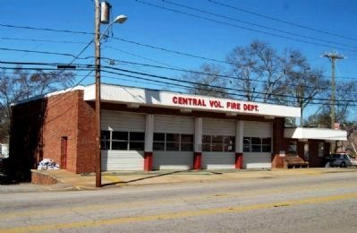 Central Volunteer Fire Department<br>and City Hall image. Click for full size.