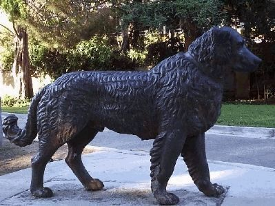 Dog Statue at Central Park image. Click for full size.