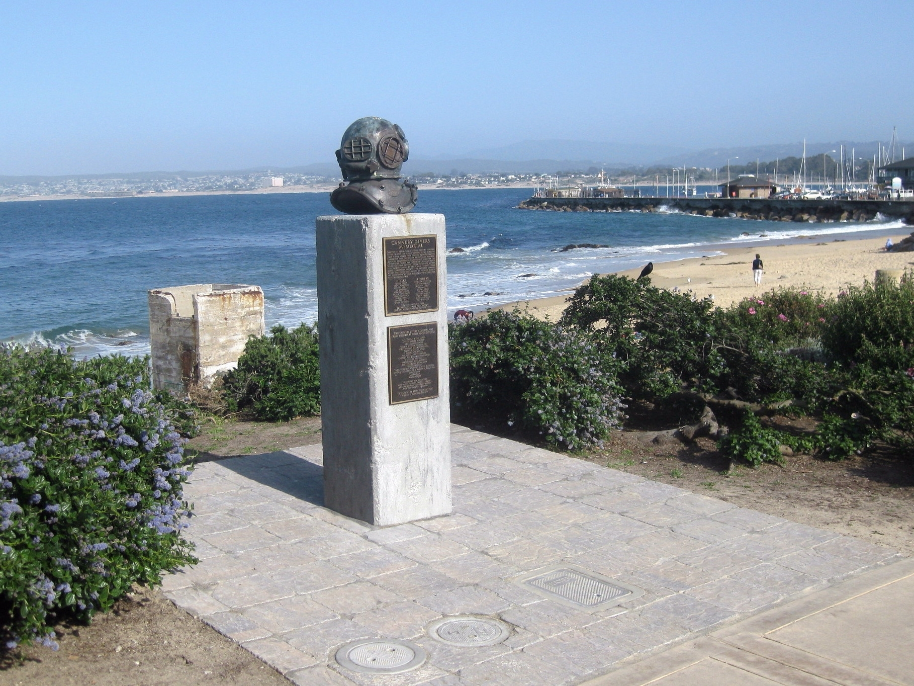 Cannery Divers Memorial Marker - wide view