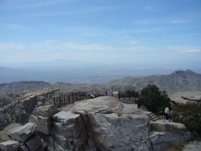 Windy Point Vista and the Tucson Basin. image. Click for full size.