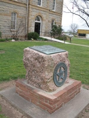 Marker in front of the court house image. Click for full size.