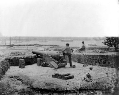 Confederate fortifications at Gloucester Point, Va., opposite Yorktown, Va. image. Click for full size.