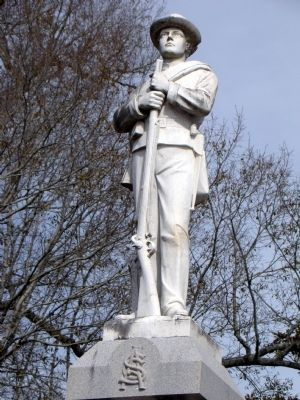 Statue of Confederate Soldier on Monument image. Click for full size.