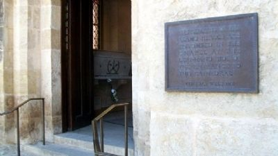 Remains of the Alamo Heroes Tomb and Marker image. Click for full size.