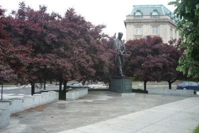 Tom� G. Masaryk Memorial - statue as seen from near marker Photo, Click for full size