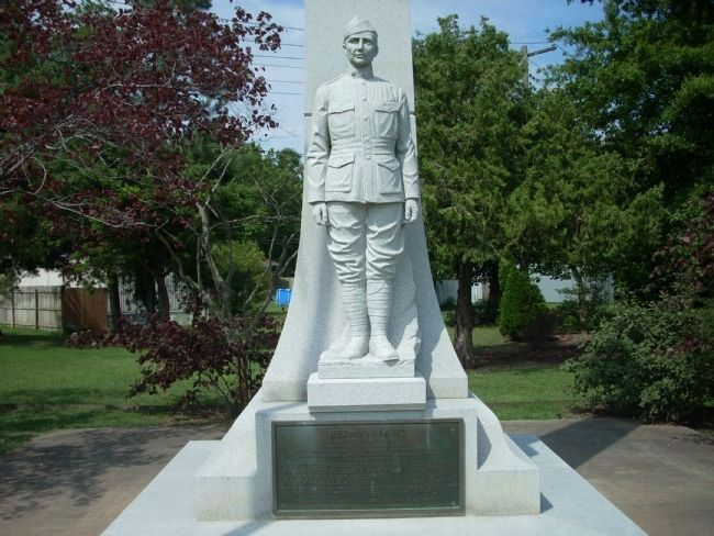 Herman Davis Statue image. Click for full size.