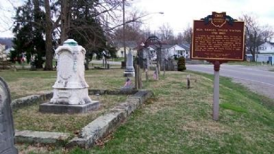 Hon. Samuel Finley Vinton Grave and Marker image. Click for full size.