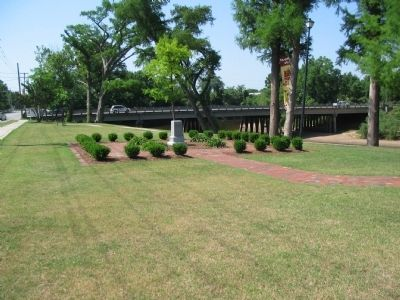 CSS Neuse Confederate Ironclad Gunboat Monument image. Click for full size.