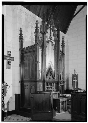 Church of the Holy Cross Stateburg General view of the pipe organ image. Click for full size.