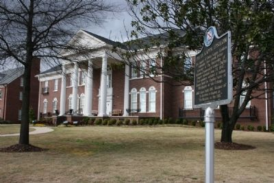 Delta Kappa Epsilon House and Marker image. Click for full size.