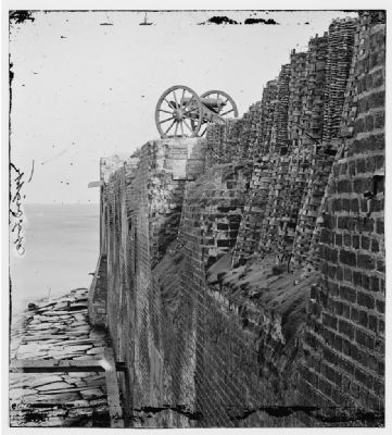 Mountain Howitzer at Fort Sumter image. Click for more information.