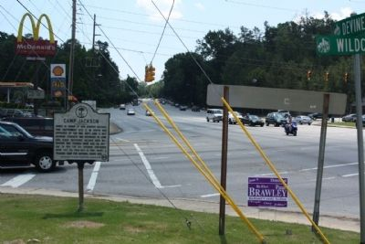 Camp Jackson Marker, looking east along Garner's Ferry Road (US 76, US 378) image. Click for full size.