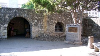 Gonzales Men at the Alamo Monument image. Click for full size.