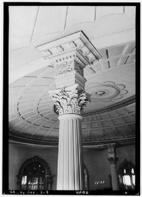 Independent Presbyterian Church, view of interior columns and dome, main auditorium image. Click for full size.