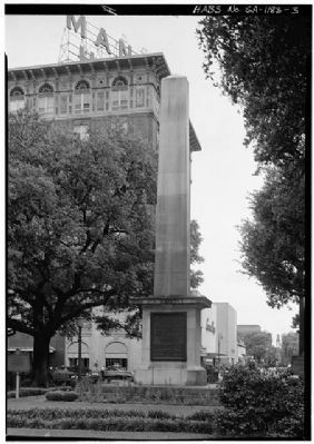 Nathanael Greene Monument south and east side image. Click for full size.