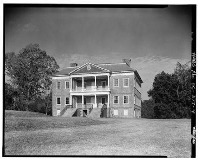 Drayton Hall southwest facade, landside image. Click for full size.