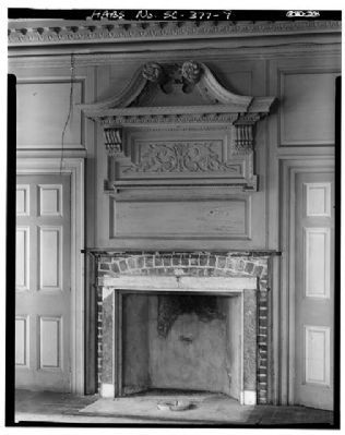 Drayton Hall first floor fireplace and mantle image. Click for full size.