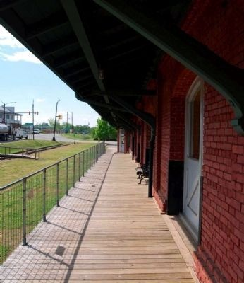 Belton Depot -<br>Eastern Walkway, Restored image. Click for full size.
