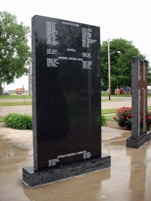 Obverse View Center Panel - - Strasburg Veterans Memorial Marker Photo, Click for full size
