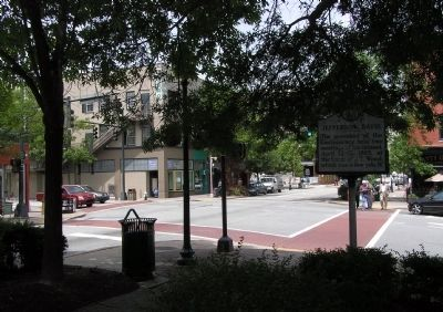Wide view of the Jefferson Davis Marker image. Click for full size.