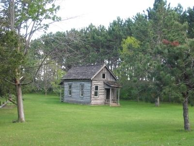 Nearby Log Cabin image. Click for full size.
