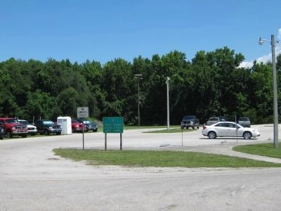 Butler Street Boat Ramp Parking Photo, Click for full size