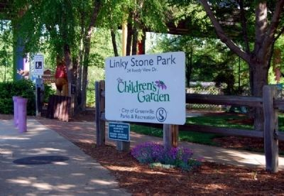Linky Stone Park Entrance image. Click for full size.
