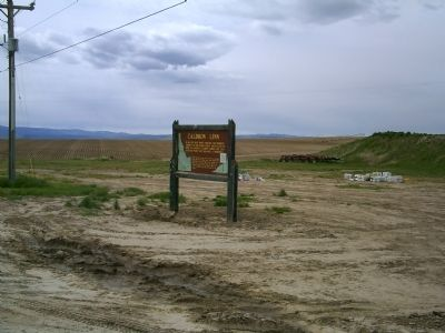 Caldron Linn Marker Along U.S. 30 image. Click for full size.