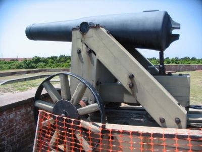 Replica 32-pounder image. Click for full size.