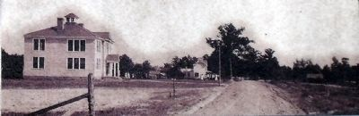 The road leading to Hamilton High School. image. Click for full size.