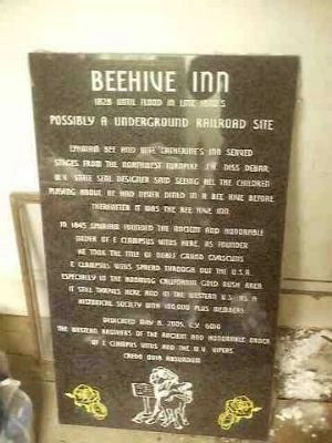 Beehive Inn Marker Photo, Click for full size