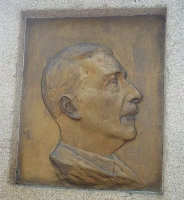 Monumento a Stefan Zweig Marker - close-up of portrait in bas-relief image. Click for full size.