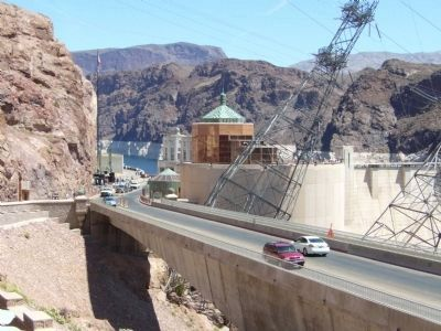 Hoover Dam and Visitor Center image. Click for full size.