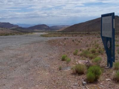 Old Spanish Trail Marker as seen looking east along NV State Road 160 image. Click for full size.