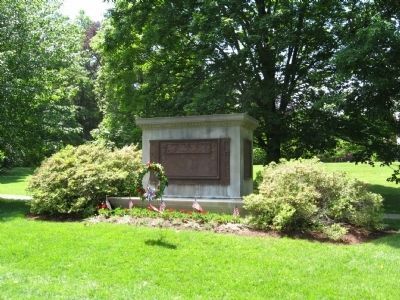 Ridgefield Veterans Monument image. Click for full size.