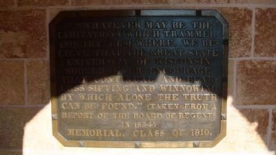 Plaque on Bascom Hall image. Click for full size.