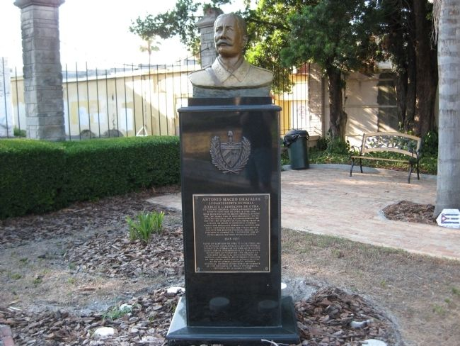 Antonio Maceo Grajales Bust and Marker image. Click for full size.