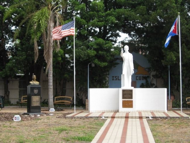 Monuments to Antonio Maceo Grajales and Jose Marti image. Click for full size.