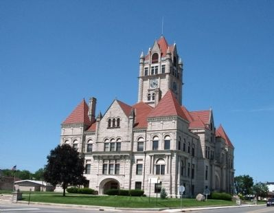 Rush County Courthouse image. Click for full size.