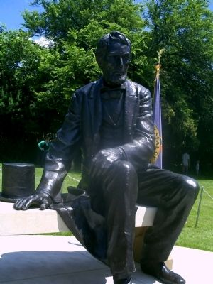 Abraham Lincoln Statue image. Click for full size.
