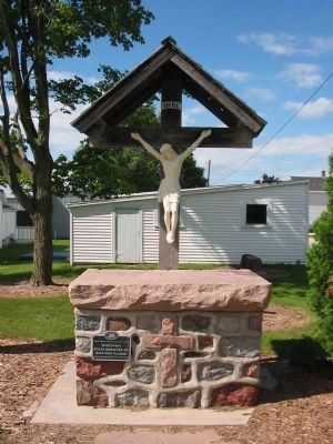 Cross and Plaque next to Marker Photo, Click for full size