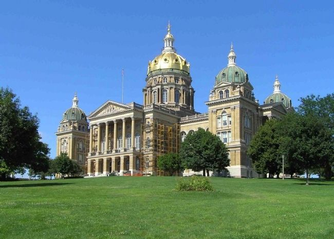 Iowa State Capitol (1886) image. Click for full size.