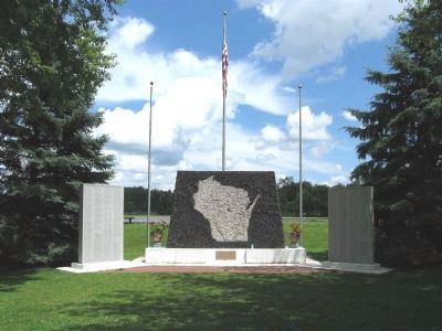 Iola Veterans Memorial Photo, Click for full size