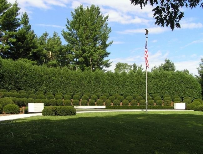 Gravesite of President and Mrs. Hoover image. Click for full size.