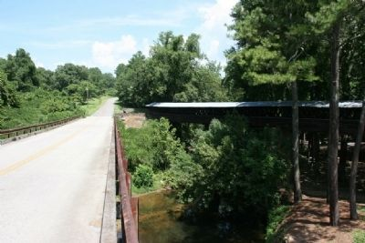 County Road 1043 New Bridge and Clarkson Covered Bridge image. Click for full size.