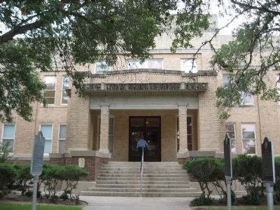 Refugio County Courthouse image. Click for full size.