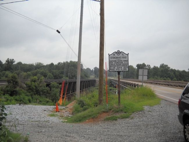 Marker at the Yadkin River Bridge image. Click for full size.