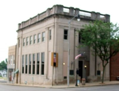 State Bank of Hoiles & Sons Building image. Click for full size.